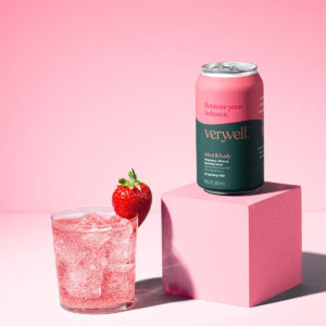 Truss CBD Veryvell CBD Sparkling Water - Mind & Body - Strawberry Hibiscus 20mg 12oz Lifestyle